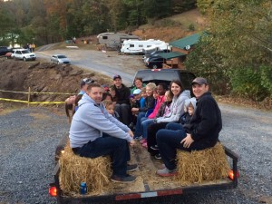 2015_Oct.17_Hay Ride with 30 kids3